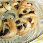 Blueberry Coconut Crescent Ring with Orange Glaze #creativecrescents