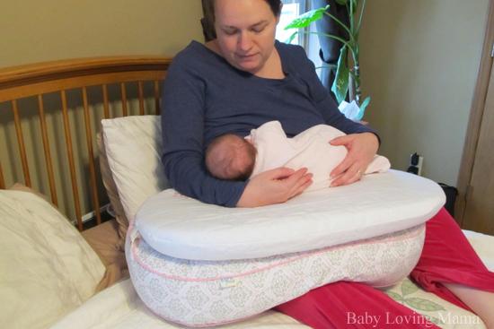 Born free Bliss feeding pillow5