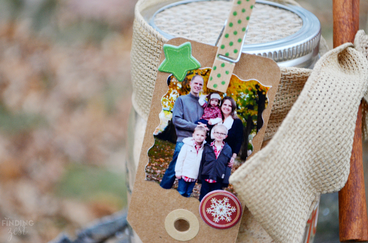 DIY Photo Gift Tag for Holiday Mason Jar Gift