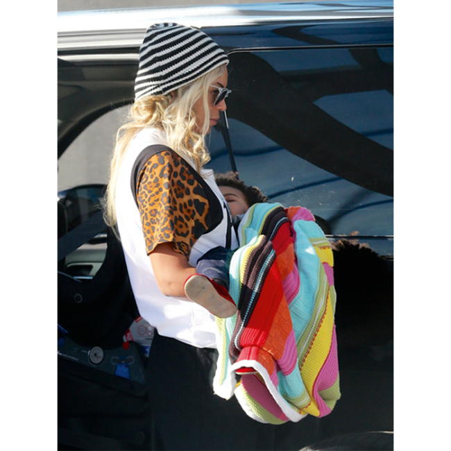 mamas and papas beyonce blue ivy gingerbread knitted blanket