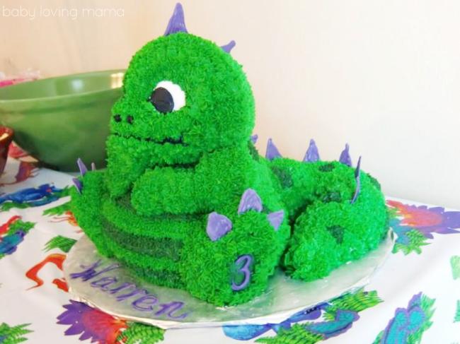 Wilton Dinosaur 3D Spike Cake