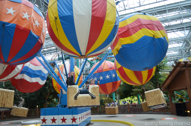 Mall of America Nickelodeon Universe Balloon Race in Motion