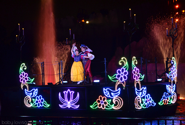 Fantasmic Walt Disney World Hollywood Studios Snow White and Prince Charming