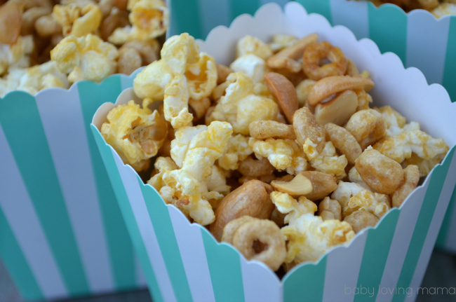 Honey Nut Popcorn Mix with Cashews