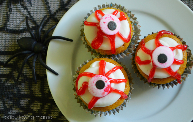 Bloody Eyeball Cupcakes for Halloween