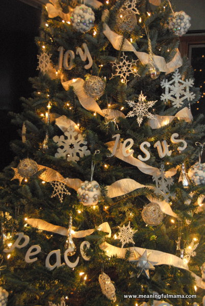 diy-christmas-tree-word-decorations-meaningful-mama
