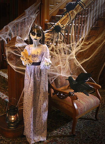 ghostly-girl-staircase-halloween-scene-full