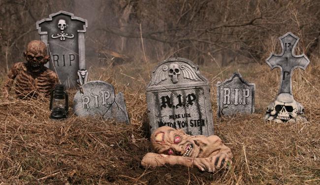 zombie-graveyard-halloween-scene