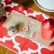 4 Ways to Decorate Your Holiday Table with Table Runners