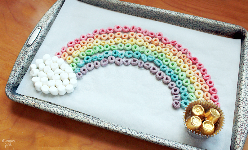 Learn how to make this fun edible rainbow with this spring craft! Perfect rainy day or St. Patrick's Day kids activity!