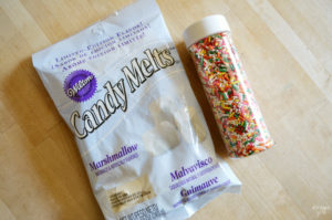 These marshmallow confetti cookies feature a fun alternative to traditional icing and work great for celebrations! Give this easy cookie recipe a try!