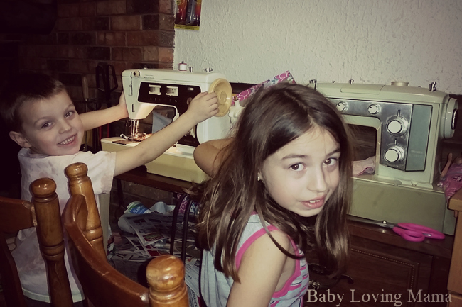 Queens-Treasures-Danica-Sewing-Machine