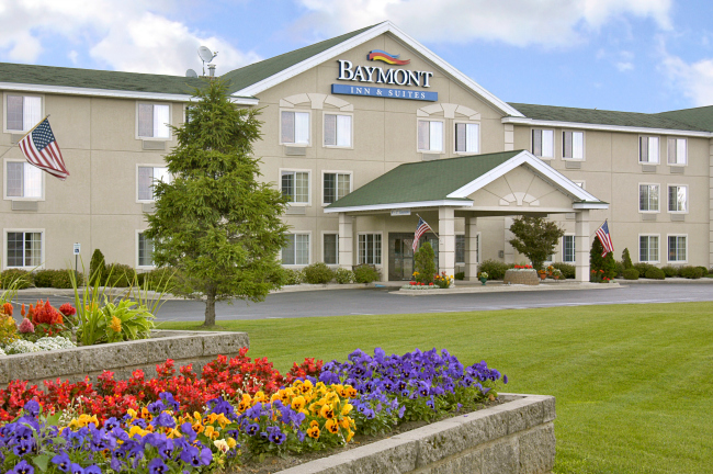 Baymont Inn and Suites Mackinaw City MI