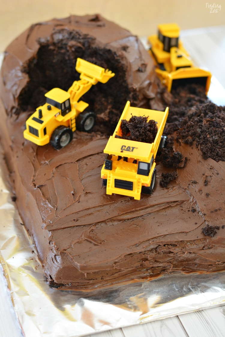 Easy Construction Birthday Cake