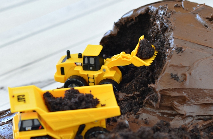 How to create an excavation cake for birthday