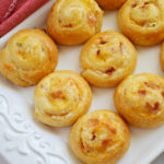 Cheesy Bacon Pinwheels Appetizer