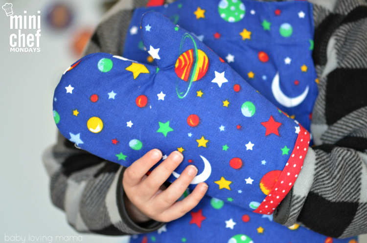 Handstand Kids Space Apron Set