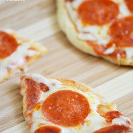 Quick and Easy Flatbread Pizza | Mini Chef Mondays