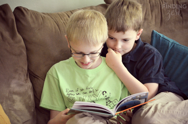 Kids Reading Thank You Book Mo Willems