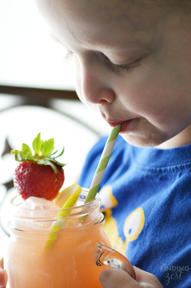 Easy Strawberry Rhubarb Lemonade