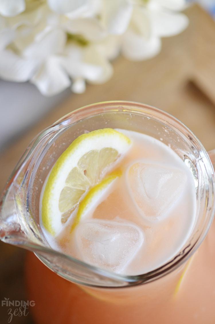 Refreshing Strawberry Rhubarb Lemonade