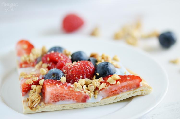 Sliced Fruit and Yogurt Breakfast Pizza