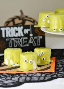 Easy Halloween Monster Marshmallows