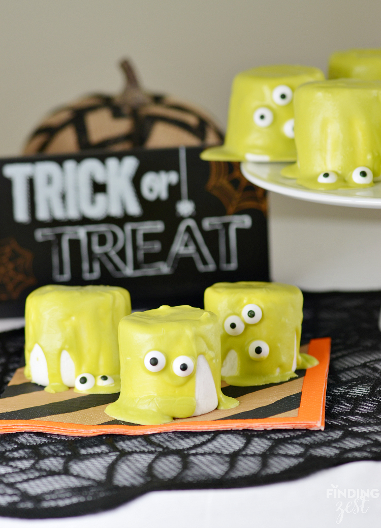these slime halloween monster marshmallows are a fun no bake halloween treat these are