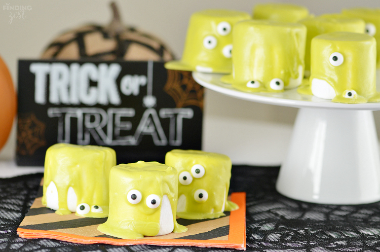 Quick Halloween Monster Marshmallows