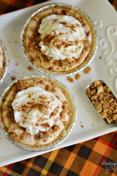 Oatmeal Crumble Mini Pumpkin Pies