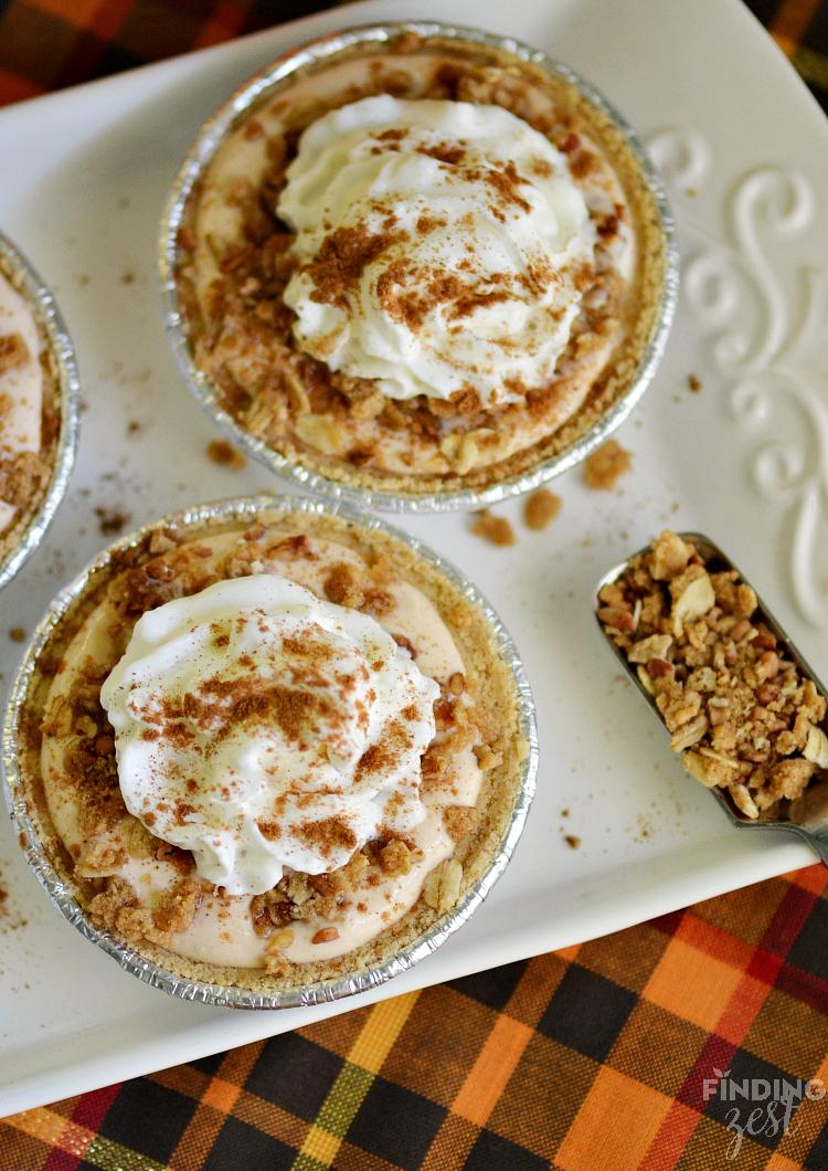Oatmeal Crumble Mini Pumpkin Pies
