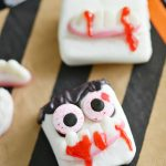 Halloween Vampire Marshmallows