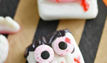 Halloween Vampire Marshmallows