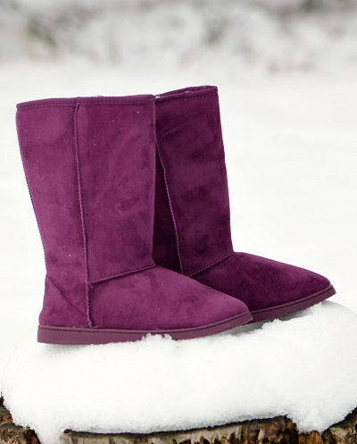 Still trying to find the perfect gift for any woman or teen girl? Try these Dawgs 13-inch Microfiber Boots in this rich plum color!