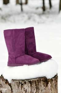 Still trying to find the perfect gift for any woman or teen girl? Try these affordable DAWGS 13-inch Microfiber Boots in this rich plum color!