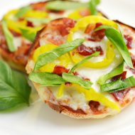 Banana Pepper and Bacon English Muffin Pizza + Bays Pizza Genius Sweepstakes