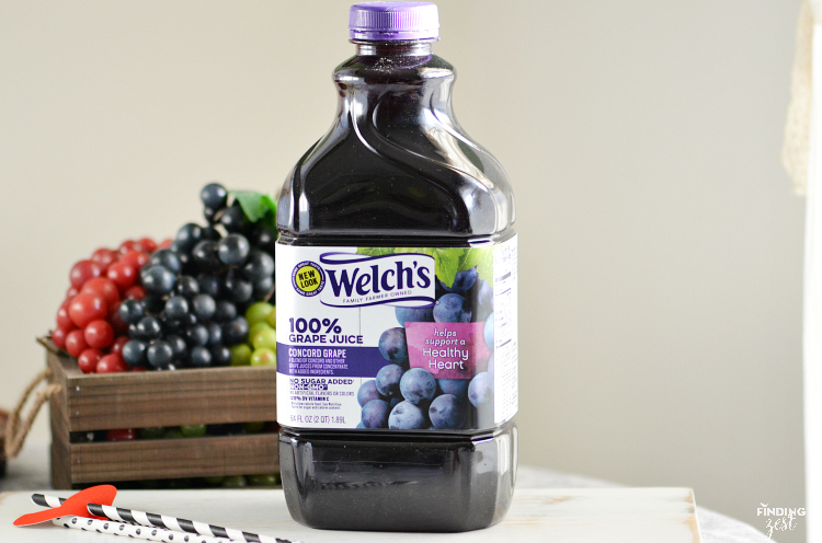 Welch's 100% Grape Juice made with Concord Grapes helps maintain a healthy heart!