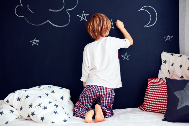 Are your kids in the same room or will be soon? Make the transition easier with these simple tips when kids share a bedroom!