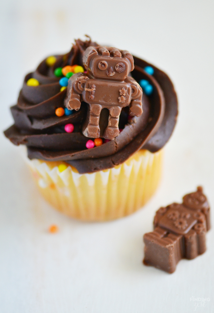 Making your own chocolate robot cupcake topper is super fun and easy! Perfect for just because or a robot birthday party celebration!