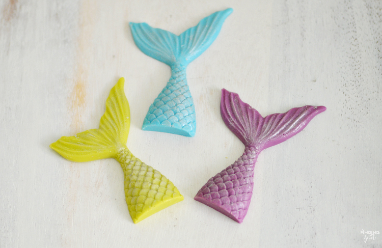 Looking for easy mermaid party ideas? Learn how to make a sparkling chocolate mermaid tail. Perfect for birthday cakes, cupcakes, party favors, garnish and more!