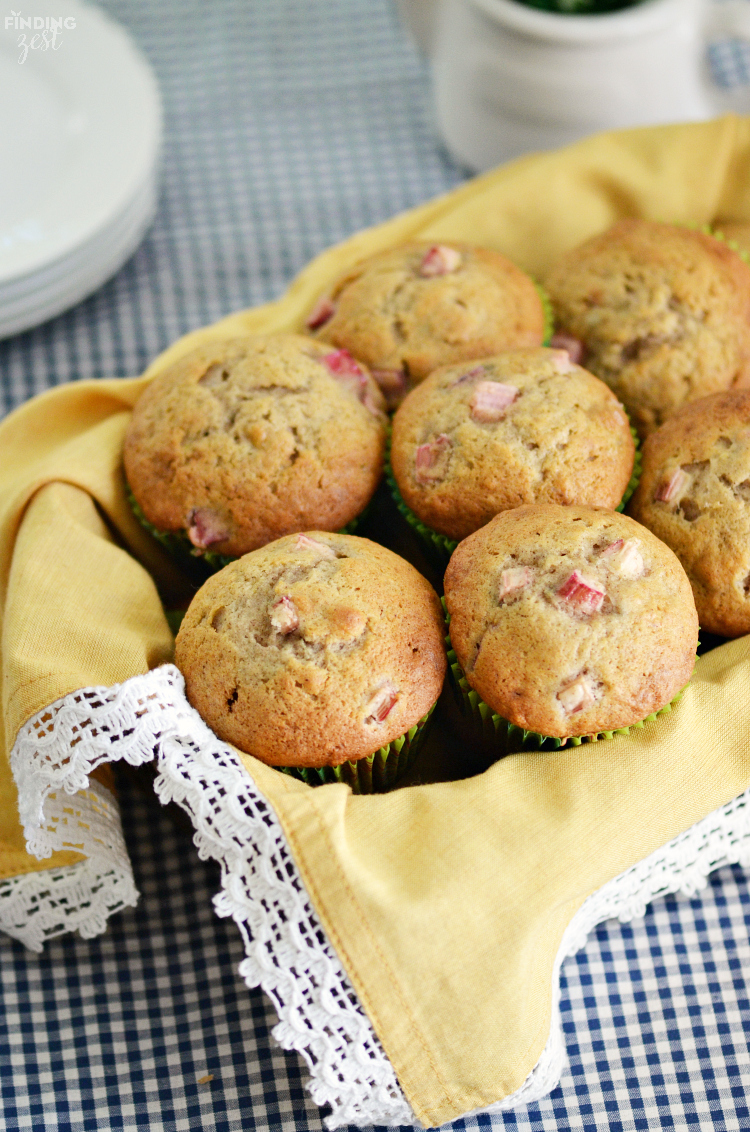 These homemade Rhubarb Banana Muffins offer the tartness of rhubarb and sweetness of banana in every delicious bite! Enjoy rhubarb for breakfast with this fresh muffin!