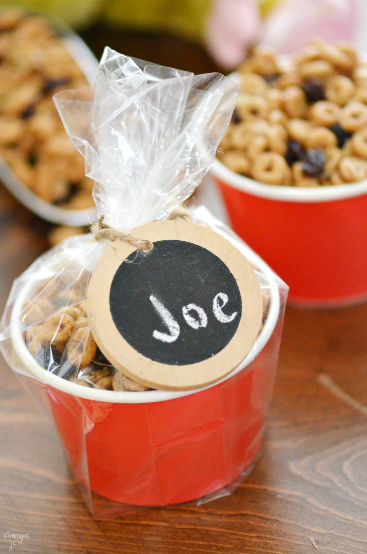 This Banana Bread Snack Mix recipe is gluten free and great to break the ice when making new friends or just enjoy while reading this new Mo Willems book!