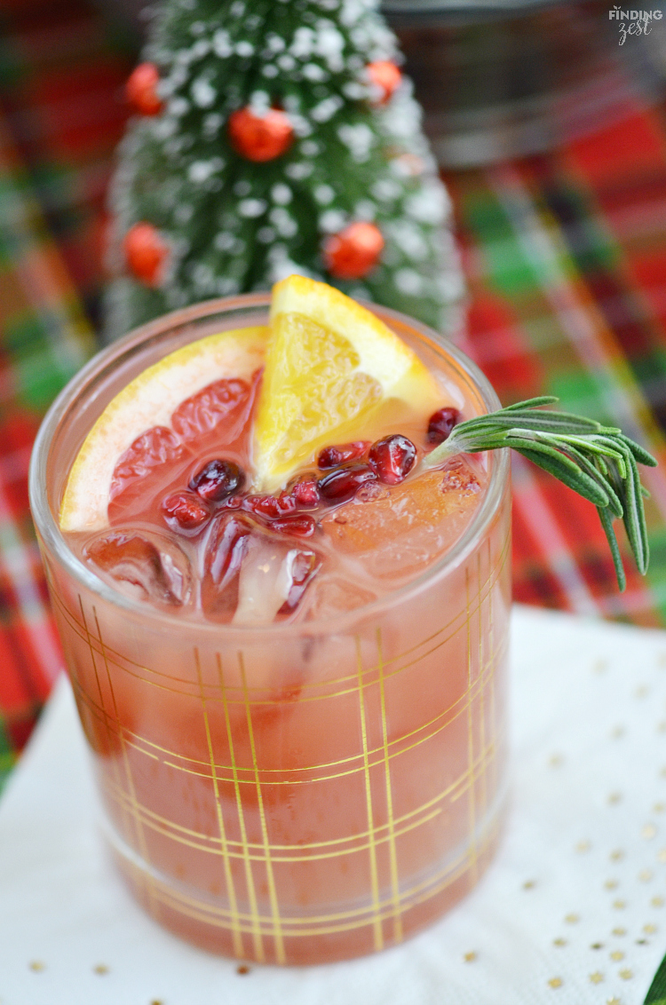 Wow your guests any time of day with a holiday drink and snack buffet, including a refreshing Christmas Holiday Punch and flavorful snack mixes!