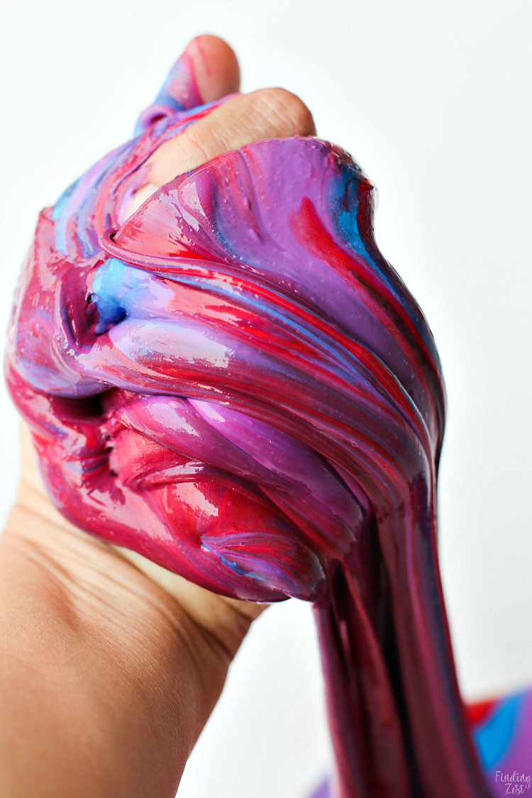 Try something new with Beating Heart slime! This cool slime recipe uses liquid starch and mimics the circulatory system, making it extra fun to play with and manipulate. You'll definitely want to add this to your collection of cool slime recipes!