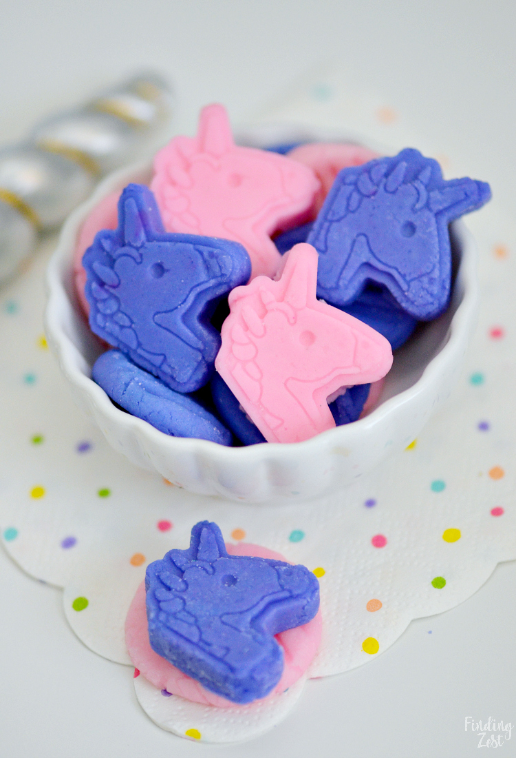 how to make unicorn cream cheese mints from a mold