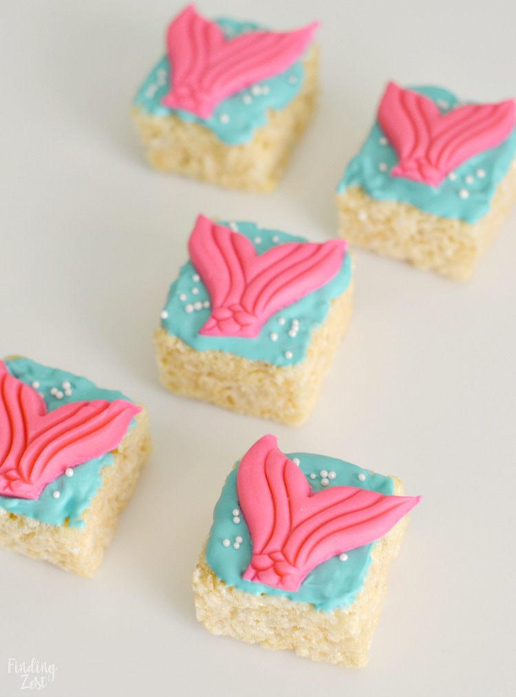 Mini mermaid rice krispie treats
