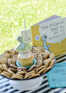 Using chocolate chip cookies as a cake alternative for The Pigeon party