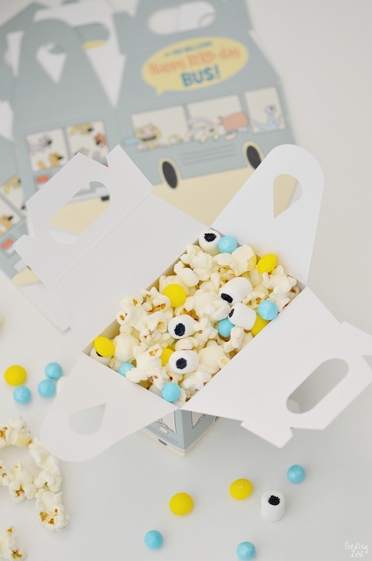Mo Willems Pigeon Snack Mix in favor boxes