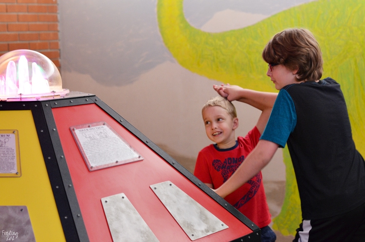 Children trying exhibit at Bluedorn Science Imaginarium