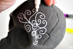 Adding swirl pattern to sugar skull